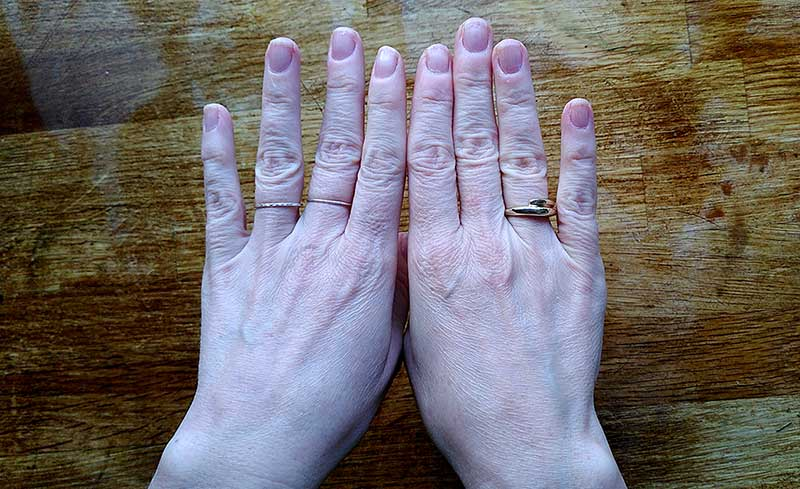 A picture of a pair of hands
